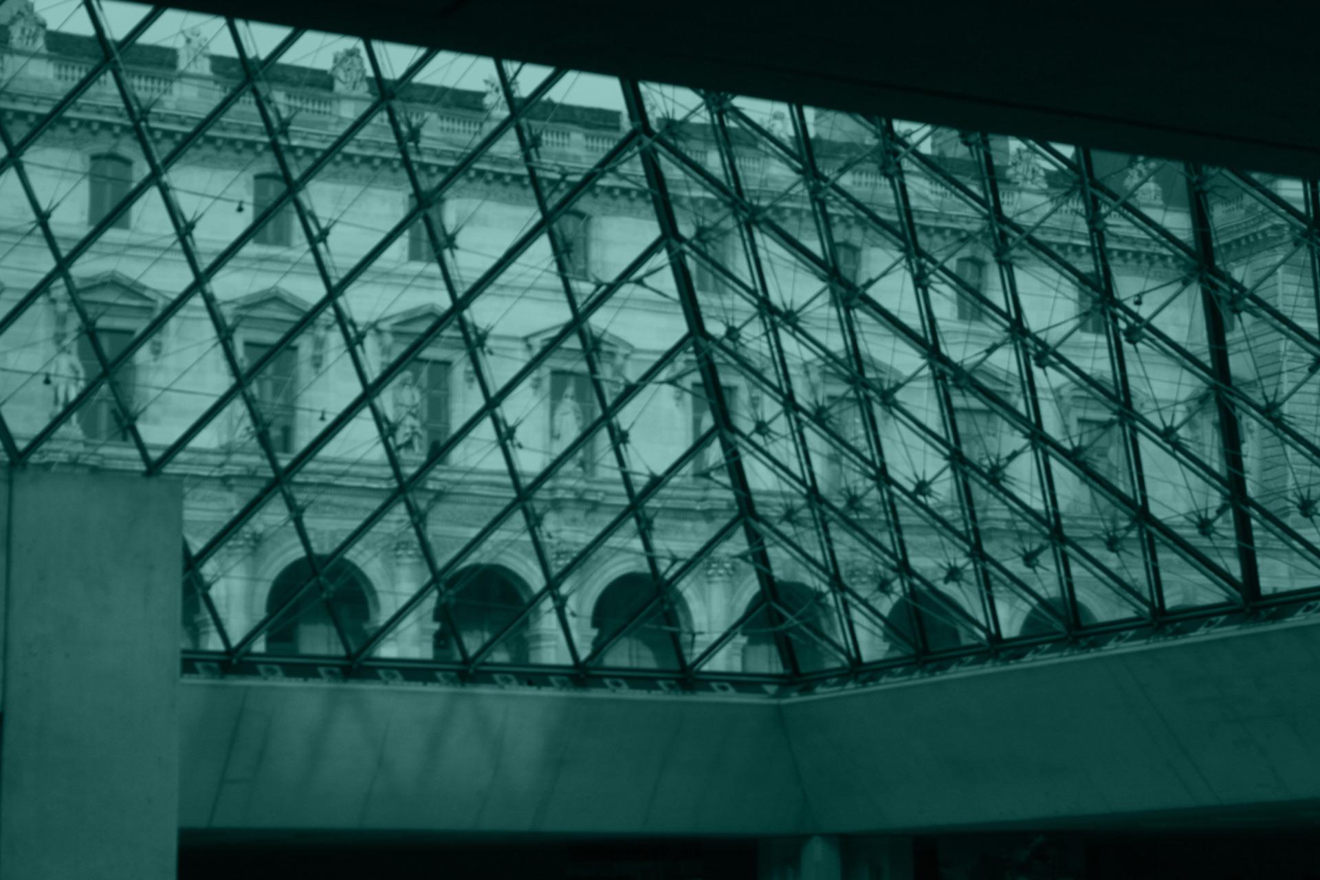 Louvre-glass